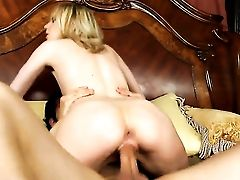 Giovanni Francesco Gets Seduced Into Fucking By Blonde Kelly Klass With Diminutive Sub And Trimmed Cunt