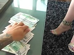 Point Of View Hump For Cash With Amazing Anneliese Snow