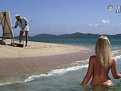 Beach Nude Scenes With Brilliantly Shaped Beauty Are Must See