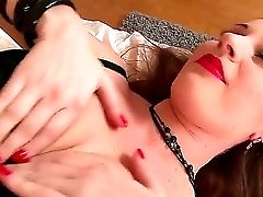 Hot Lataya Roxx Is A Very Seducing Chick Who Looks Very Nice. Her Moist Crimson Lips Are Awesome And Everybody Cravings About Smooch Them And Gets Sup