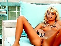 Hot Golden Haired Stunner Erica Fontes Shows Her Smooth-shaven Fish Lips On The Sofa On The Terrace