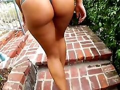 The Fetching Blonde Alexis Monroe With An Appetizing Butt Shows Her Bod To Kevin Moore