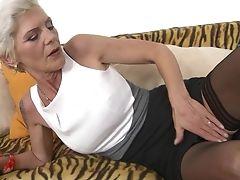 Dirty Matures Nikola Shrieks While Railing A Dick On The Sofa. Hd