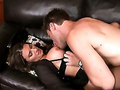 Dark-haired Kitty Is On The Edge Of Nirvana With Guys Rock Hard Snake In Her Mouth  : Pornalized.com Porno Videoclip