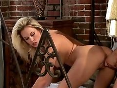 Kiara Diane Is A Hump Thirsty Blonde That Can't Get