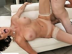 Lewd Stepmom Vanessa Videl Gives A Oral Job And Gets Her Fuckbox Screwed