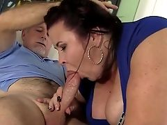 Big Titted Matures Bbw Lady Lynn Gets Her Puss
