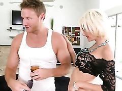 Tattooed Kinzie Fox Shows Her Dick Sucking Abilities To Levi Cash  - Sexy Flick Pornalized.com